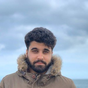 Kumail - Brighton, : BSc Mathematics student looking to share my