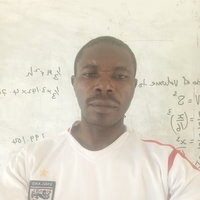 English language teacher in Nigeria's Mano with result oriented class room interaction