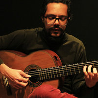Guitar teacher and guitar for regular classes in west São Paulo, or online to any location.