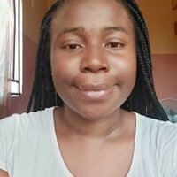 Medical student passionate about teaching and open to offering English lessons in Enugu.
